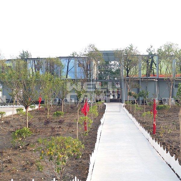 Two Floor Prefab Container Hotel Villa in Garden, Wellcamp D-18